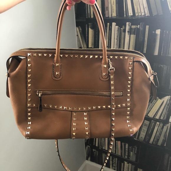 217b9a0bbd Valentino Rockstud Limited Edition Tote Bag. M_5b44da62a31c334f5fb8216a